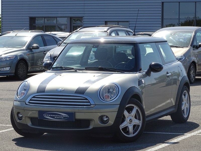 Photo 2 de l'offre de MINI MINI COOPER 120CH PACK CHILI à 6990€ chez International Auto Auneau