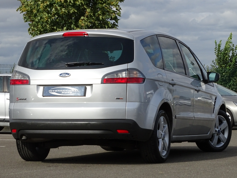 Photo 2 de l'offre de FORD S-MAX 2.0 TDCI 140CH TITANIUM à 7990€ chez International Auto Auneau