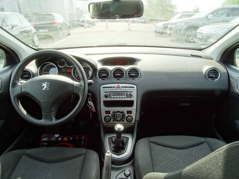 Photo 8 de l'offre de PEUGEOT 308 SW 1.6 VTI 16V CONFORT à 5790€ chez International Auto Auneau