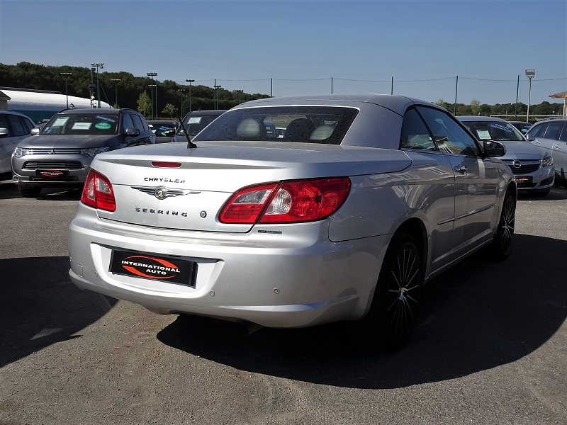 Photo 4 de l'offre de CHRYSLER SEBRING CABRIOLET 2.0 CRD LIMITED TOIT RIGIDE à 8690€ chez International auto Coignieres