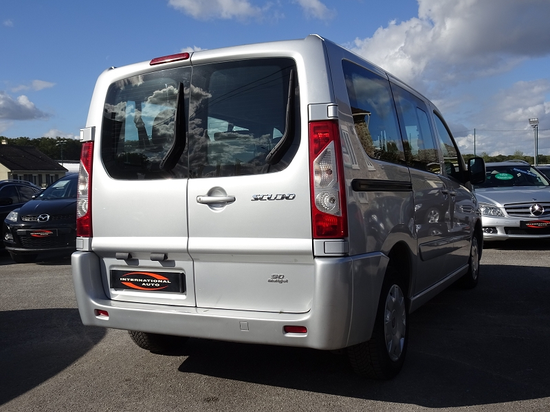 Photo 2 de l'offre de FIAT SCUDO PANORAMA CH1 1.6 MULTIJET 16V  8/9 PLACES à 11990€ chez International auto Coignieres