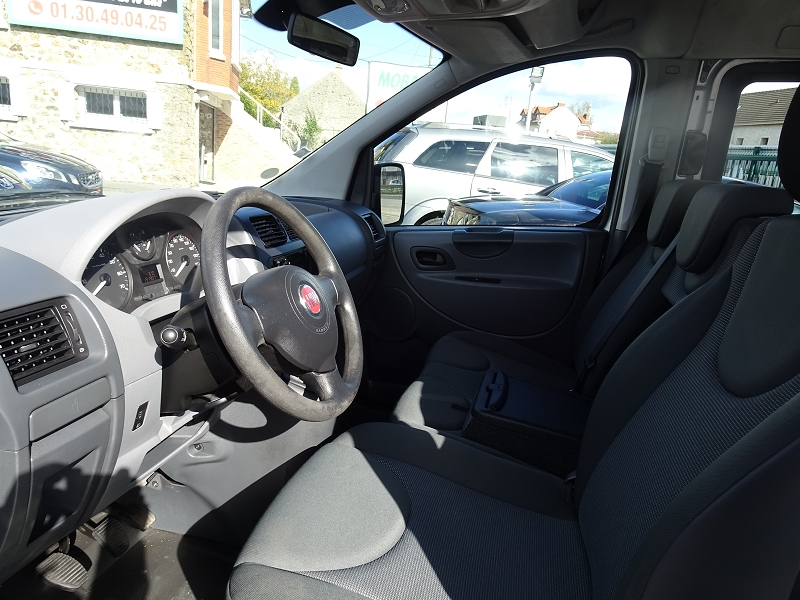 Photo 3 de l'offre de FIAT SCUDO PANORAMA CH1 1.6 MULTIJET 16V  8/9 PLACES à 11990€ chez International auto Coignieres