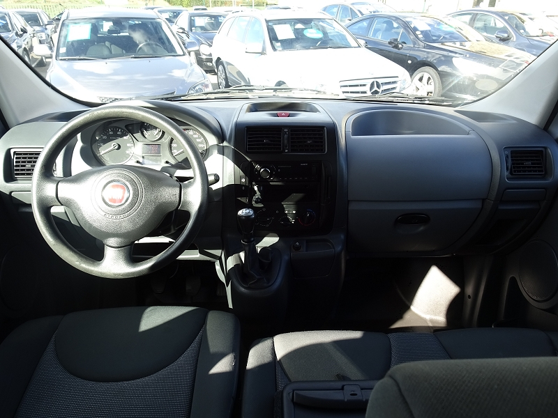 Photo 4 de l'offre de FIAT SCUDO PANORAMA CH1 1.6 MULTIJET 16V  8/9 PLACES à 11990€ chez International auto Coignieres